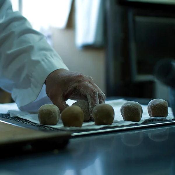 画像3: キッコーマン丸大豆しょうゆを使った「しょう油饅頭」6個入り
