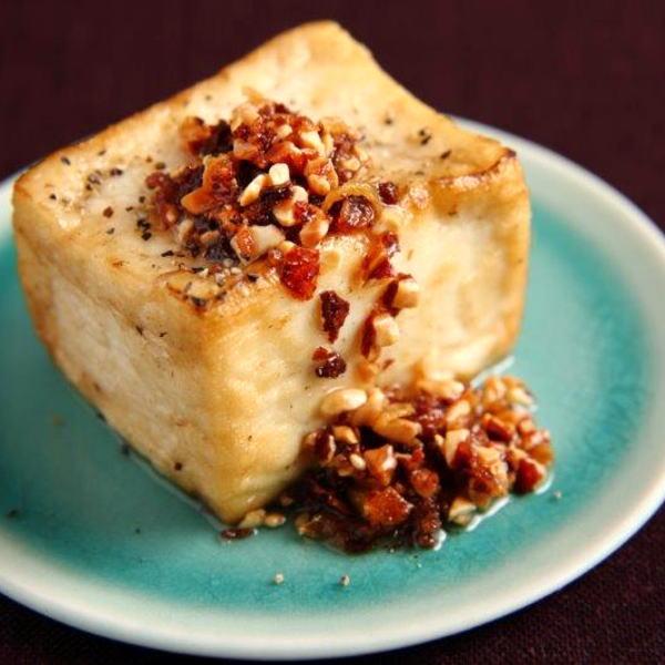 揚げ出汁豆腐や冷ややっこでも美味しく召し上がれます。
